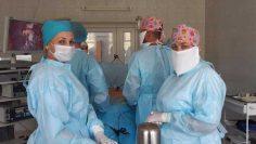 фото из архива Мария Александровна с коллегами перед операцией (справа)